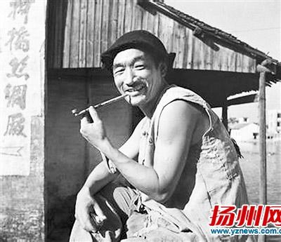 """表演艺术家严顺开去世 曾想演""""扬州八怪"""""""