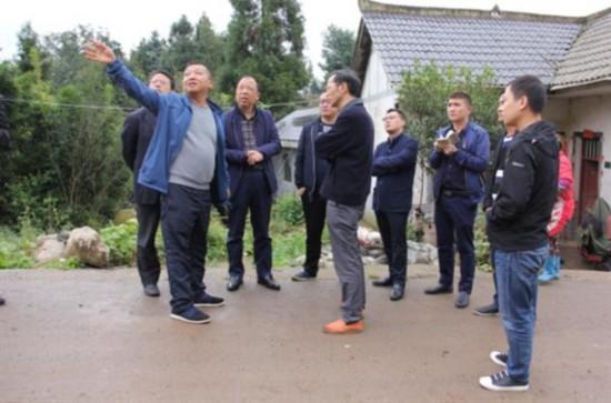 贵州省公路局副长粟周瑜到毕节大方县检查建制