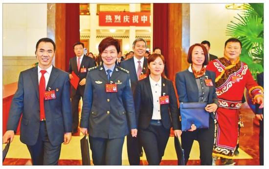 黑龙江省党代表纷纷表示带头深入贯彻落实十九大精神