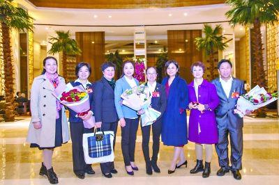 湖北省出席党的十九大代表返汉
