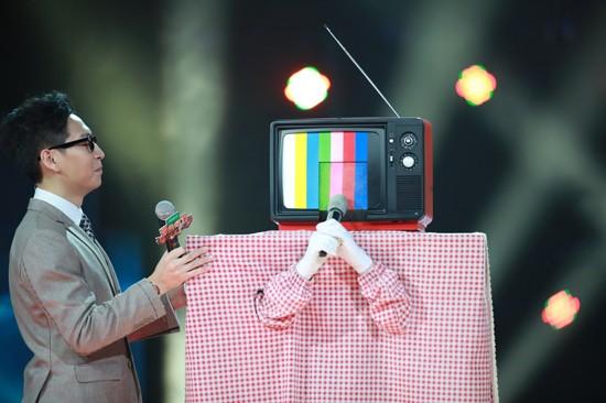 蒙面唱将我要上电视是周润发还是常石磊?真实身份揭秘