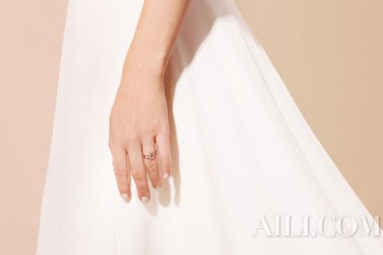 你的皮肤需要精心呵护 结婚戒指又何尝不需要?
