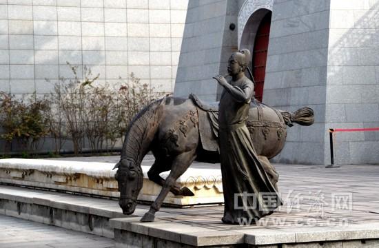 深秋游奥林匹克公园 感受北京最美的季节