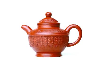 蟠垆壶:壶器型端庄古朴,线条流畅,质地红润