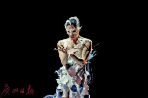 立陶宛国家歌剧舞剧院芭蕾舞团在广州大剧院上演《天鹅湖》