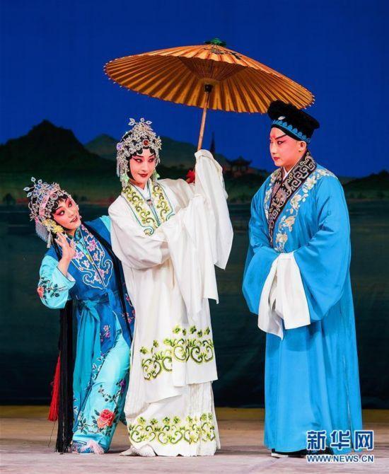 中国国家京剧院携《白蛇传》首次走进符拉迪沃斯托克
