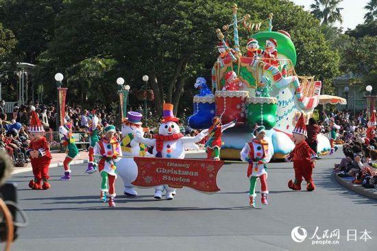 """东京迪士尼乐园圣诞主题表演""""迪士尼圣诞故事集"""""""