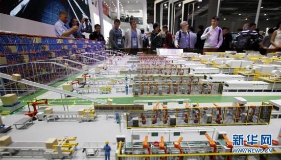 (社会)(1)第十九届中国工博会在上海举行