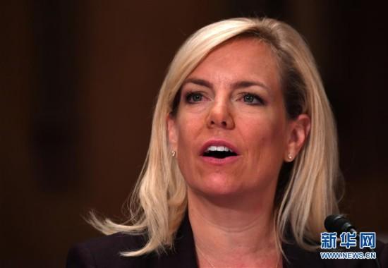 11月8日,克尔斯滕·尼尔森在美国华盛顿国会山出席听证会.图片