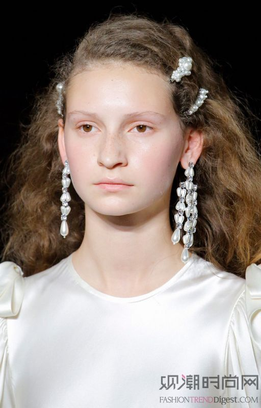 如果你总是觉得珍珠不够时髦 ...
