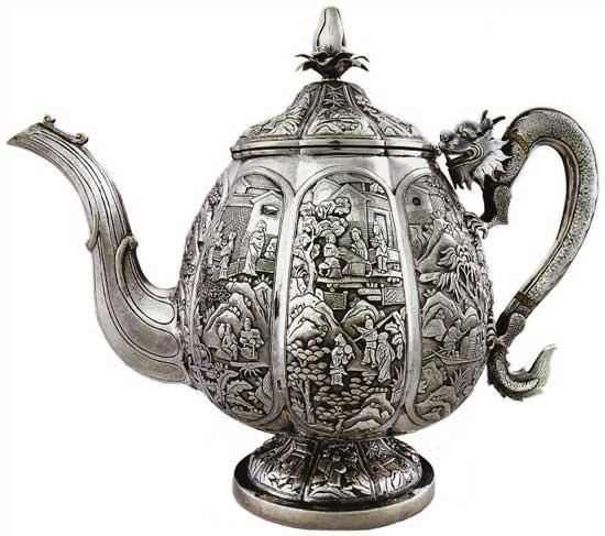 瓜棱形八分档大茶壶 Melon-shaped Teapot晚清 通高:24.4cm;腹径:16.6cm;重:1122g 款识:喜,伦巴 H