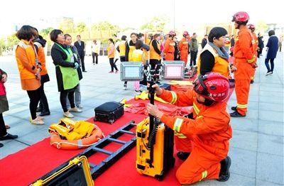 海安举行消防宣传活动 向群众普及消防常识