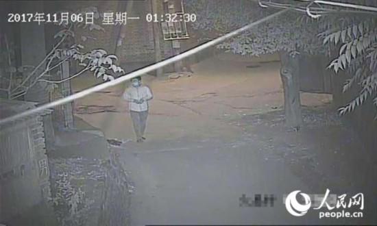 嫌疑人深夜溜门盗窃 民警快速反应将其抓获