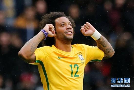 (体育)(3)足球――友谊赛:巴西胜日本