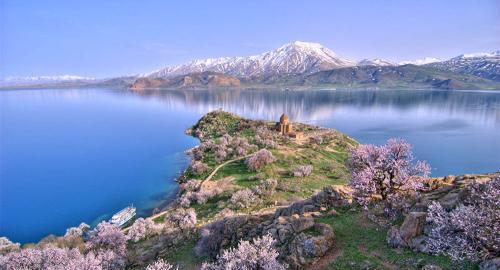 资料图片:凡湖。(图片来源:俄罗斯卫星网)
