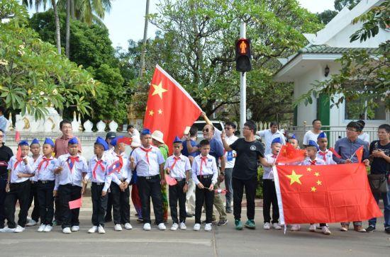 老挝各界盛情欢迎习近平主席到访【2】
