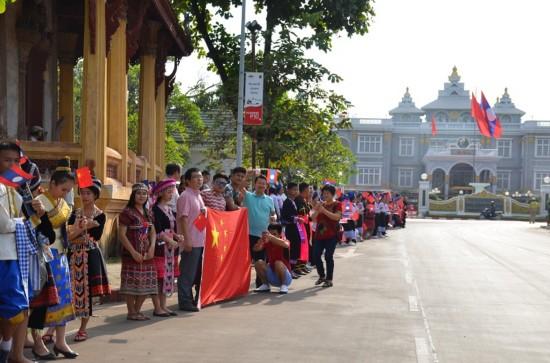 老挝各界盛情欢迎习近平主席到访【3】