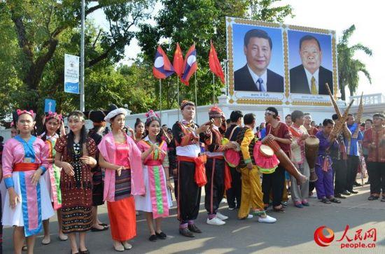 老挝各界盛情欢迎习近平主席到访