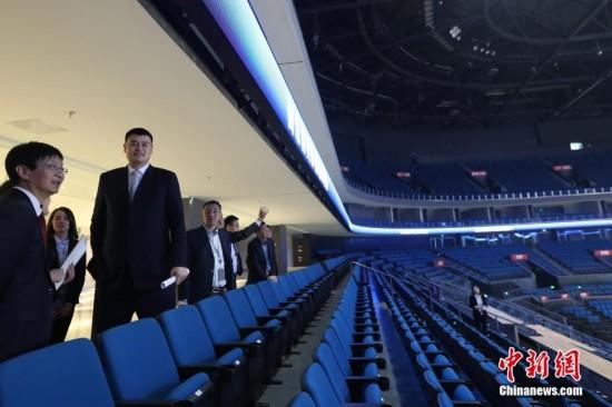 姚明现身南京助阵2019篮球世界杯亚洲区预选赛