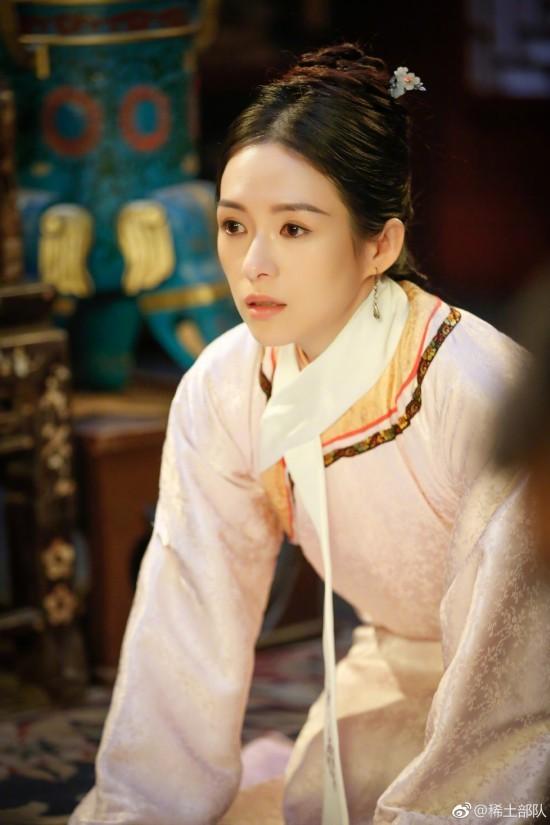 《演员的诞生》后台王俊凯与章子怡夫妇合影
