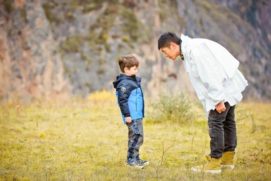 《爸爸5》嗯哼爆发惊人意志力 杜江教育观获赞