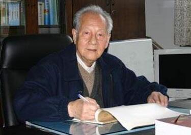 """中国核潜艇之父黄旭华:""""深潜""""三十年为国铸重剑风儿阵阵吹的歌词"""