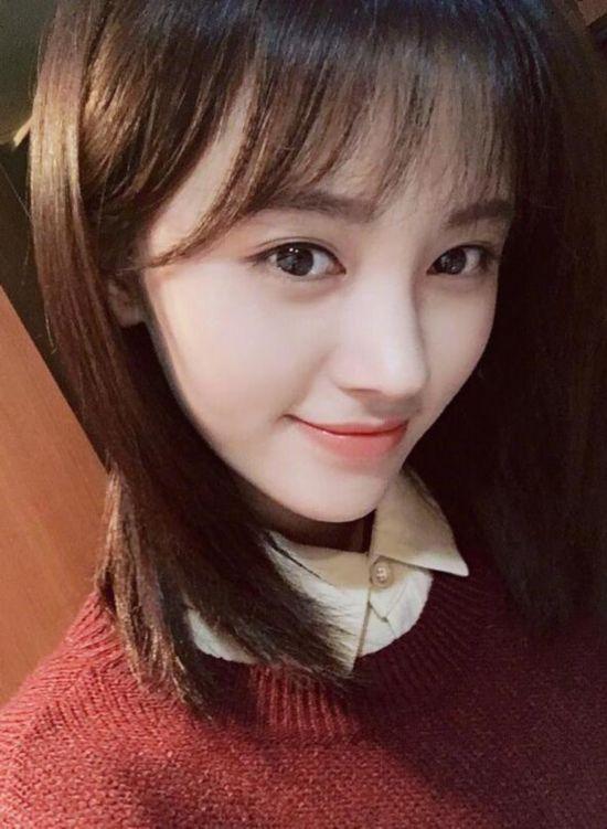 鞠婧祎换头发长长显清纯 撞脸郑爽傻傻分不清图片