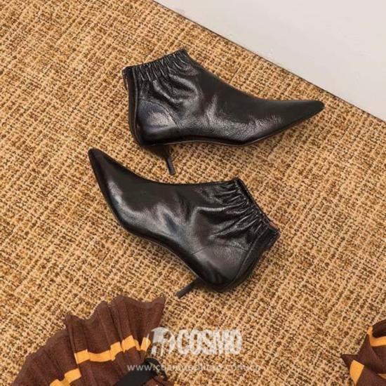 短靴来自3.1 Phillip Lim 售价297.5美元 可从shopbop.com购买