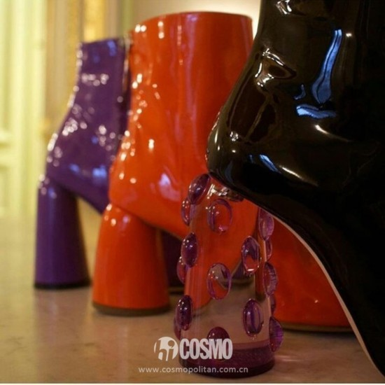 鞋履来自ELLERY 售价1140美元 可从http://shop.ellery.com购买