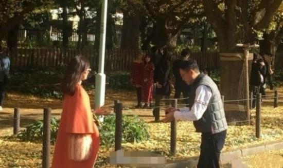 李嘉欣夫妇游日本 结婚9年仍似热恋