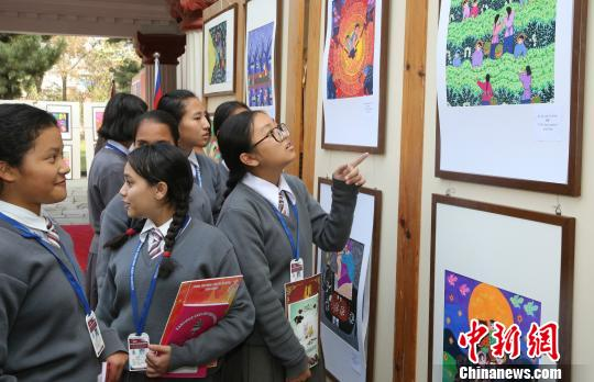 中国南京六合农民画亮相尼泊尔