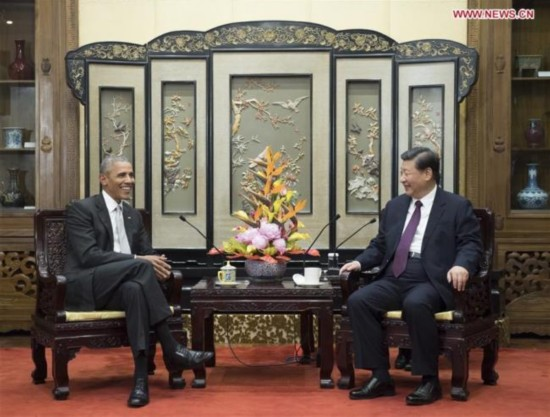 Chinese President Xi Jinping (R) meets with former U.S. President Barack Obama in Beijing, capital of China, Nov. 29, 2017. [Photo: Xinhua/Li Xueren]