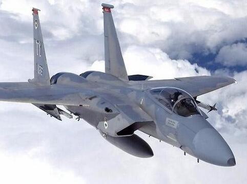 以色列宣布正式列装F-35战机在大大的苹果树下
