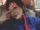 郭采洁大秀烈焰红唇实力撩粉 眼神魅惑展女王范