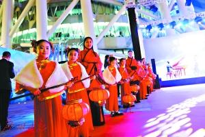 2017广州《财富》全球论坛欢迎酒会昨夜在广州塔下举行蔡晓仪三级