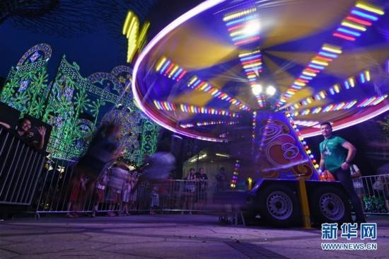 """(国际)(5)新加坡滨海湾花园打造""""圣诞仙境""""庆祝圣诞节"""
