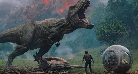 《侏罗纪世界2》预告发布 恐龙加入场面更震撼