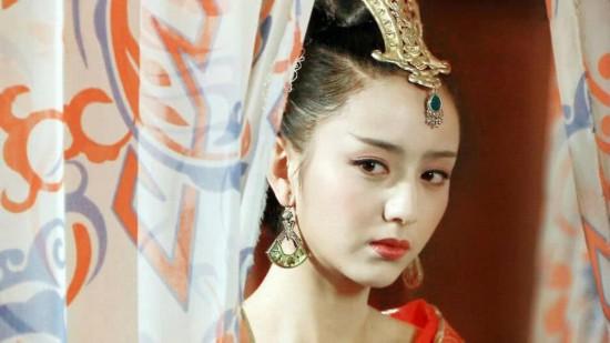 新疆女星古装美女 热巴娜扎佟丽娅竟不敌她?