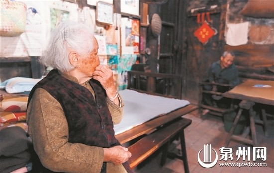 南安丰州:舐犊情深 91岁老人照顾患儿68载