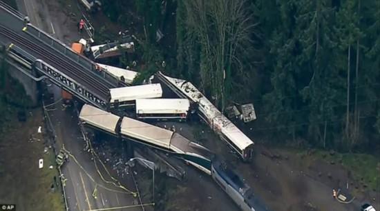 美华盛顿州火车脱轨致6死77伤 铁轨控制系统未激活