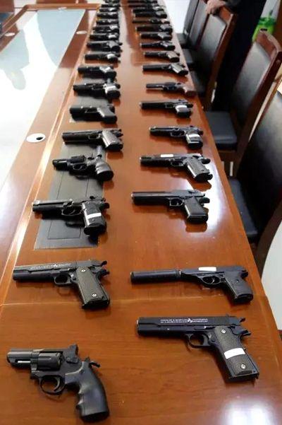西夏警方破获特大网络贩枪案 查获仿真枪746支