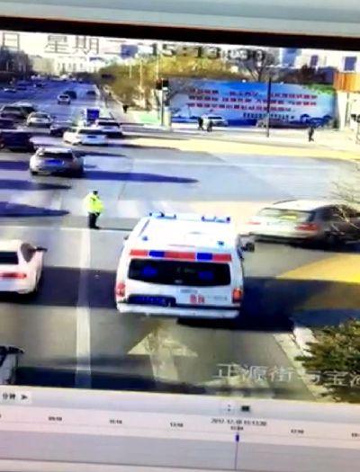 银川市三名司机不让行救护车被处罚