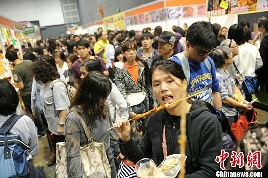 香港举办冬日美食节 吸引大批市民及游客