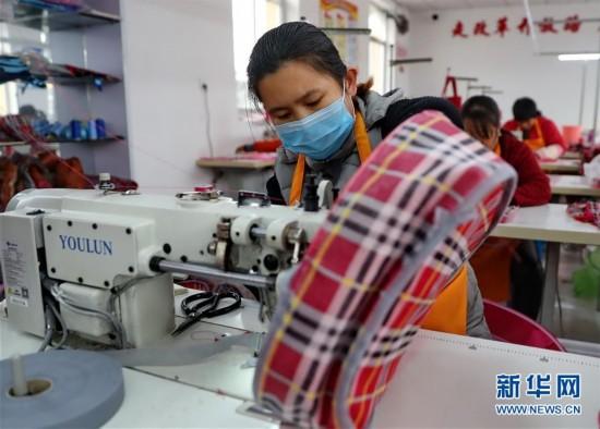 (社会)(1)河北卢龙:劳动密集型企业转向乡村促农增收