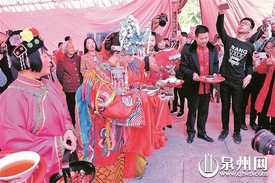 茶俗婚礼:传承千年茶文化