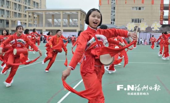 """福州晋安校园传统文化""""花开正盛"""""""