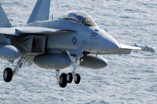 """外媒:日本欲引进""""咆哮者""""战机或部署至航母三姐妹的故事"""