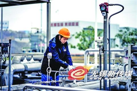 无锡技术人员巡查燃气设施 全力安全保供