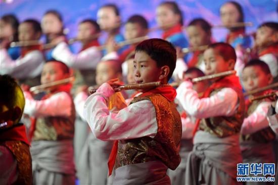 (图文互动)(1)西藏2018新年音乐会讲述西藏故事 演绎西藏旋律