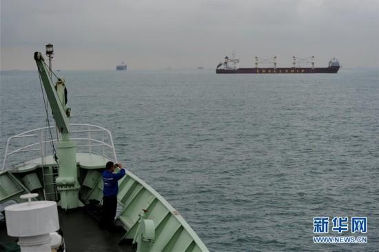 """(科技)(3)""""实验3""""号科考船进入马六甲海峡"""